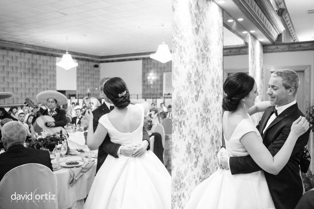 fotógrafo de boda Eva y Juanan salones el Paseo 135