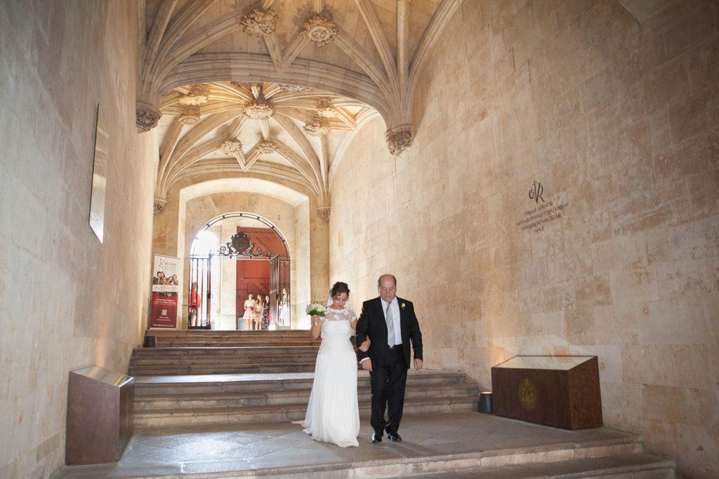 Boda Capilla Universidad de Salamanca por el fotógrafo de bodas David Ortiz -3