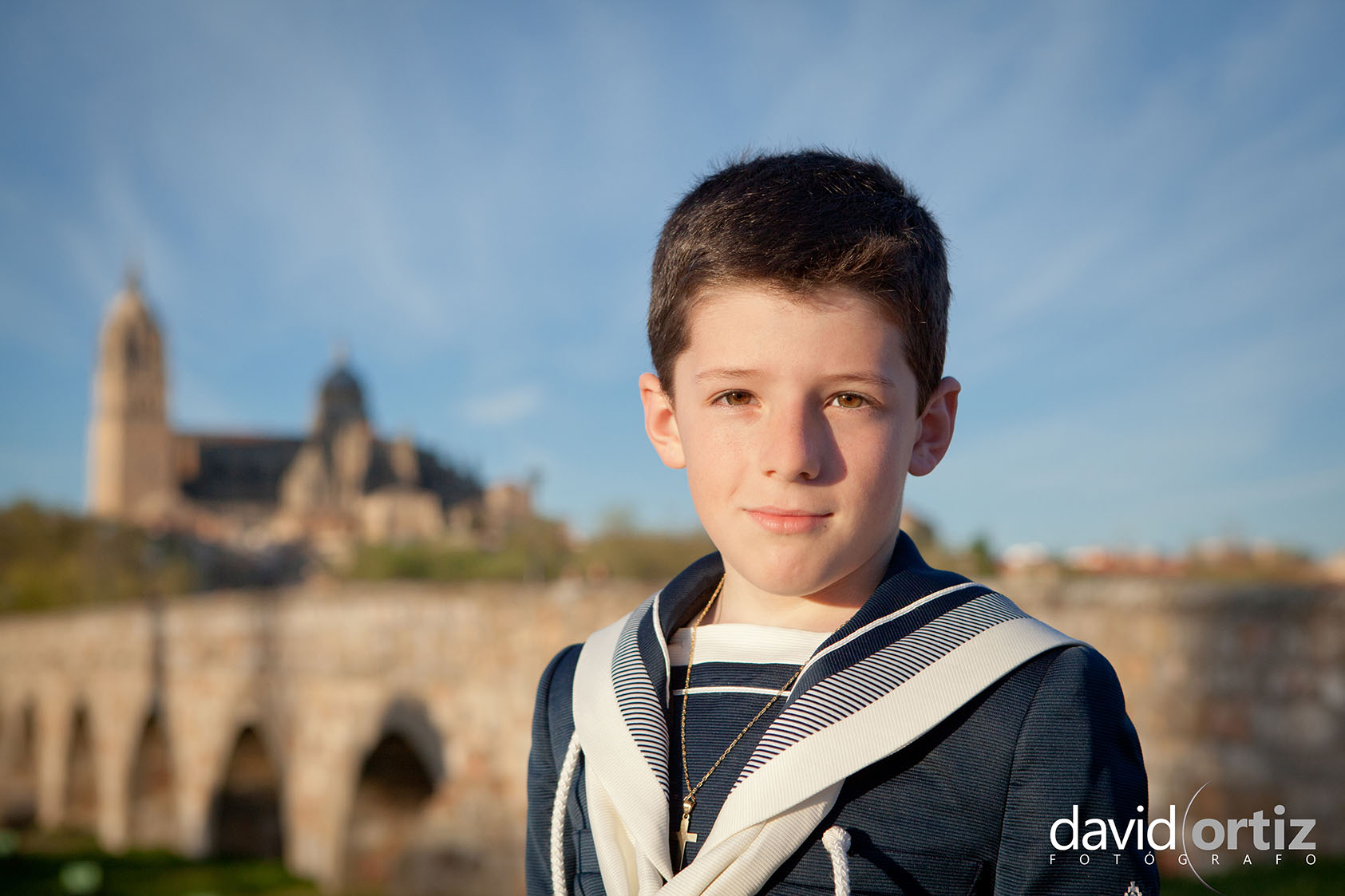Fotografía y reportaje de comunión de exterior, realizado por David Ortiz Fotógrafo en Salamanca